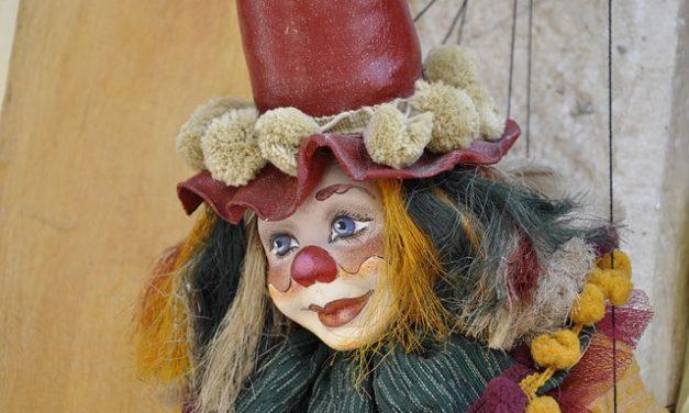 Le docteur, sous son aspect clown